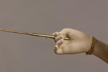 Main de la joueuse de tympanon de Marie-Antoinette